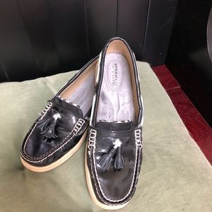 Sperry Black and houndstooth shoes